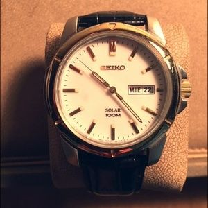 Seiko watch with leather band 100M water proof